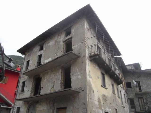 Case indipendenti in vendita a Ubiale Clanezzo. Cerca con Caasa.it.
