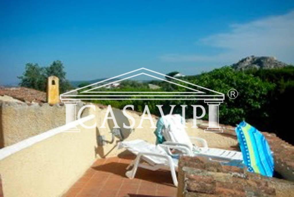 Villetta a schiera in ottime condizioni arredato in vendita Rif. 4499422