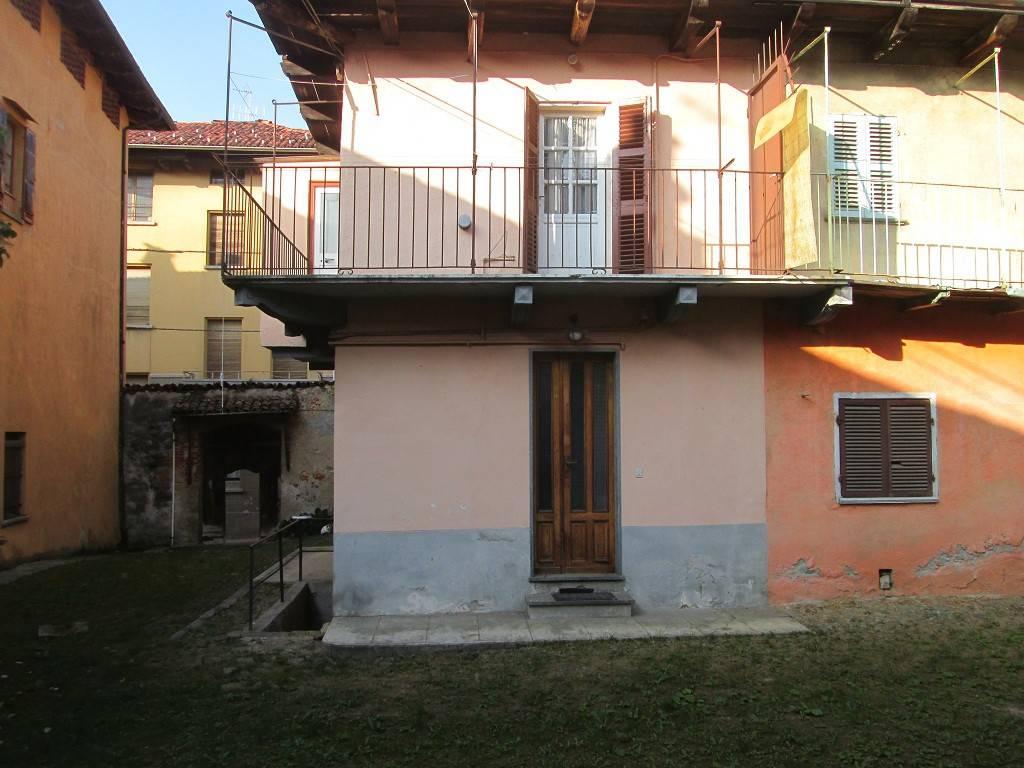 Appartamento in buone condizioni in vendita Rif. 4209436