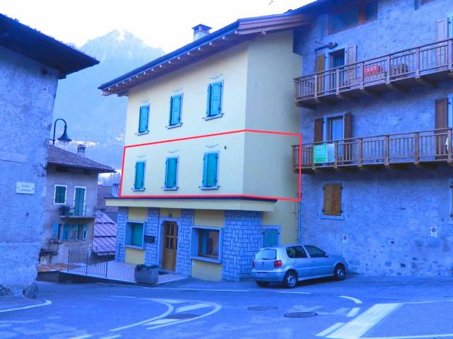 Appartamento in ottime condizioni arredato in vendita Rif. 4366307