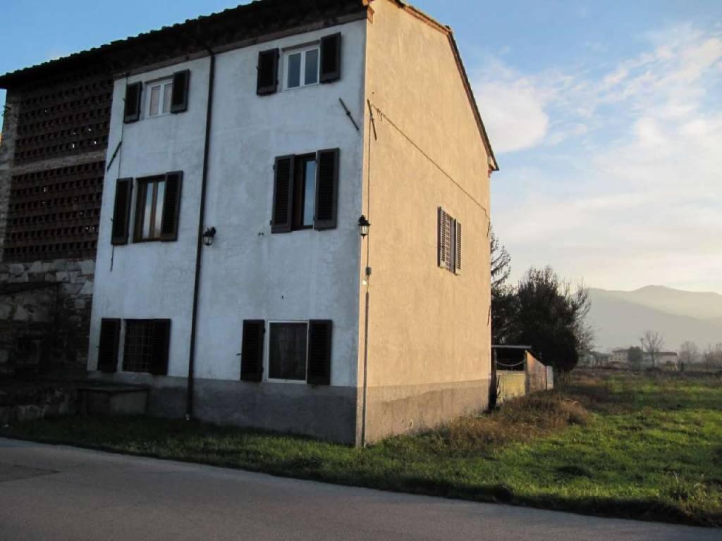 Casa Indipendente da ristrutturare in vendita Rif. 8560789