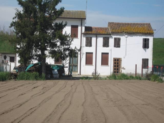 Rustico / Casale da ristrutturare in vendita Rif. 4894348