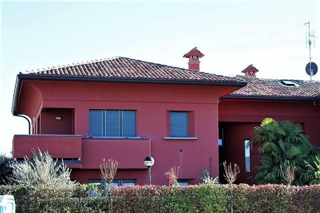 Appartamento in buone condizioni in vendita Rif. 5270072