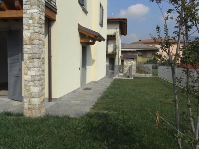 Appartamento in buone condizioni in affitto Rif. 4367603