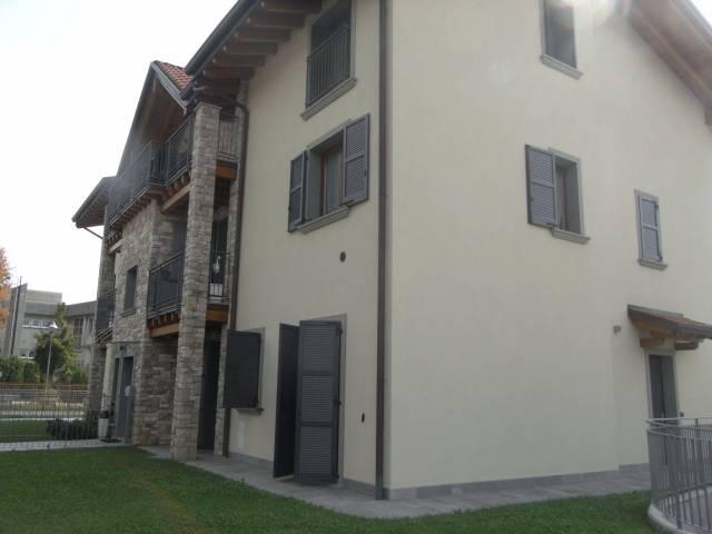Appartamento in buone condizioni in affitto Rif. 4367604