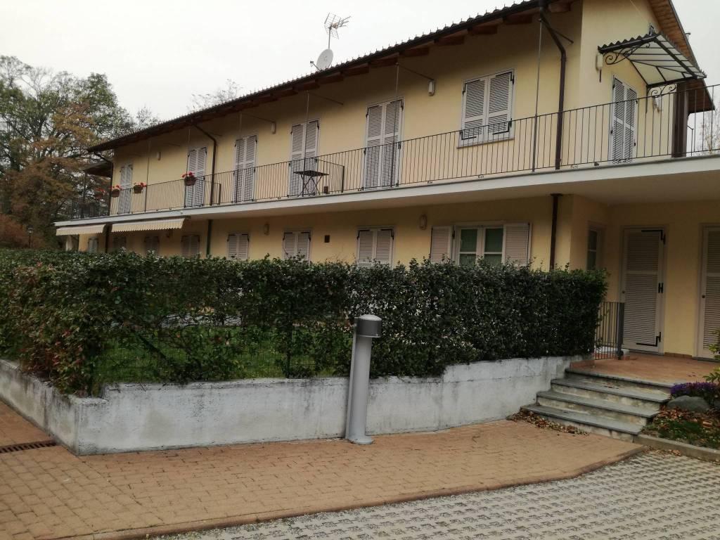 Appartamento in ottime condizioni arredato in affitto Rif. 8747814
