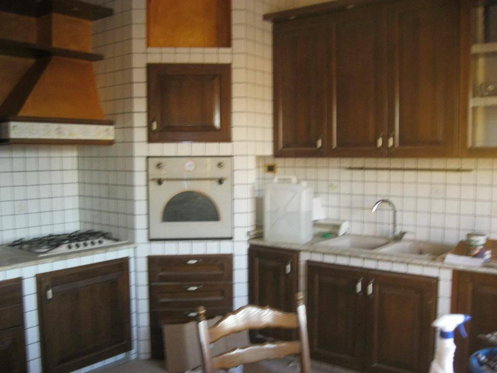 Bilocale in ottime condizioni parzialmente arredato in affitto