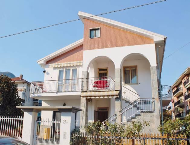 Villa in Vendita a Piossasco Centro: 5 locali, 223 mq