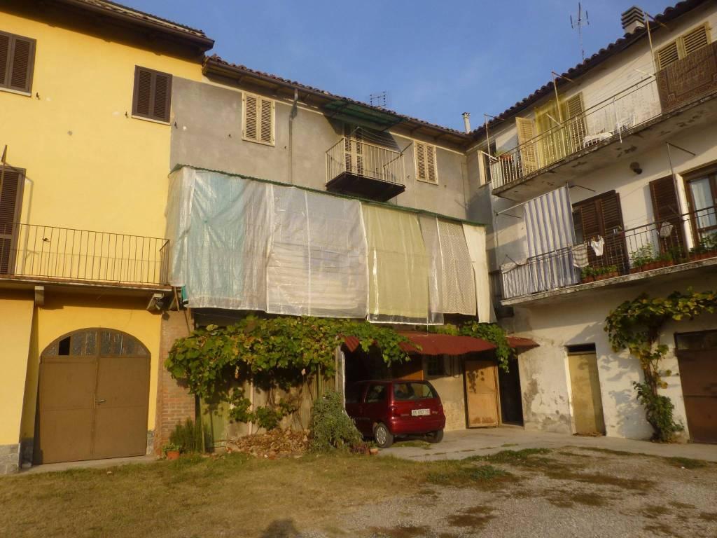 Appartamento in buone condizioni in vendita Rif. 4405649