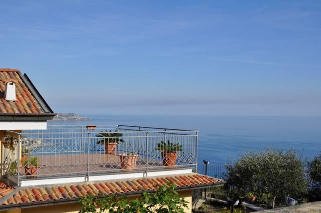 Villa in Vendita a San Remo Periferia Ovest: 5 locali, 270 mq