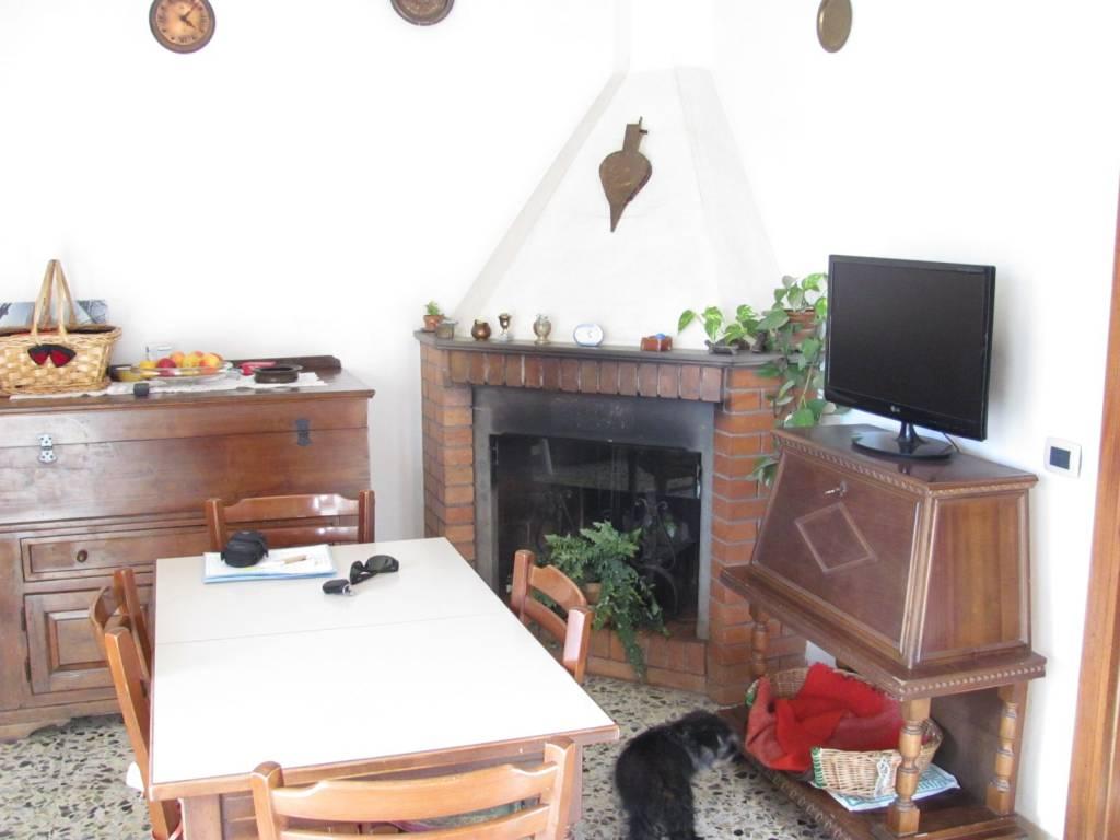 Appartamento in vendita a Rufina, 5 locali, prezzo € 128.000 | PortaleAgenzieImmobiliari.it