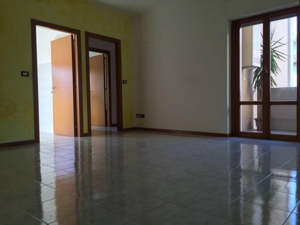 Appartamento in buone condizioni in vendita Rif. 5192056
