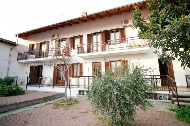 Appartamento in ottime condizioni in vendita Rif. 4916442