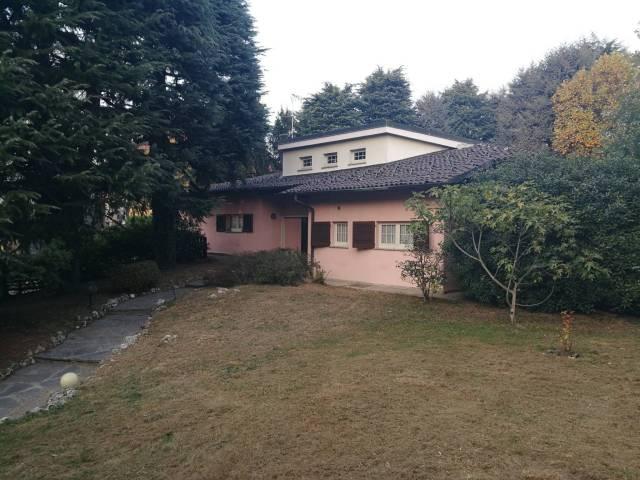 Villa in ottime condizioni parzialmente arredato in vendita Rif. 4974488
