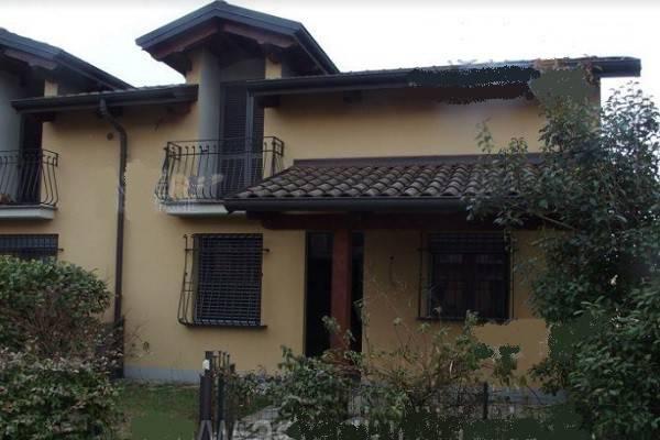 Villa a Schiera in Vendita a Casale Monferrato