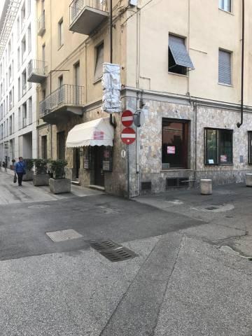 Negozio-locale in Vendita a Asti Periferia: 4 locali, 100 mq