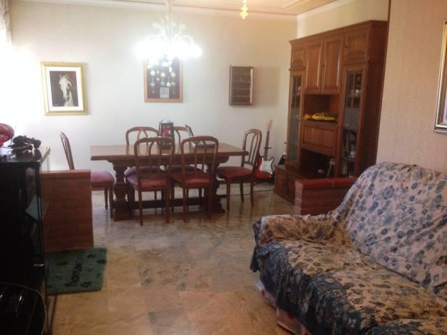 Appartamento in buone condizioni in vendita Rif. 4449659
