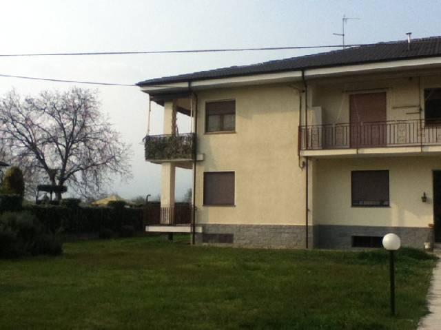 Appartamento in affitto a Osasco, 2 locali, prezzo € 280 | CambioCasa.it