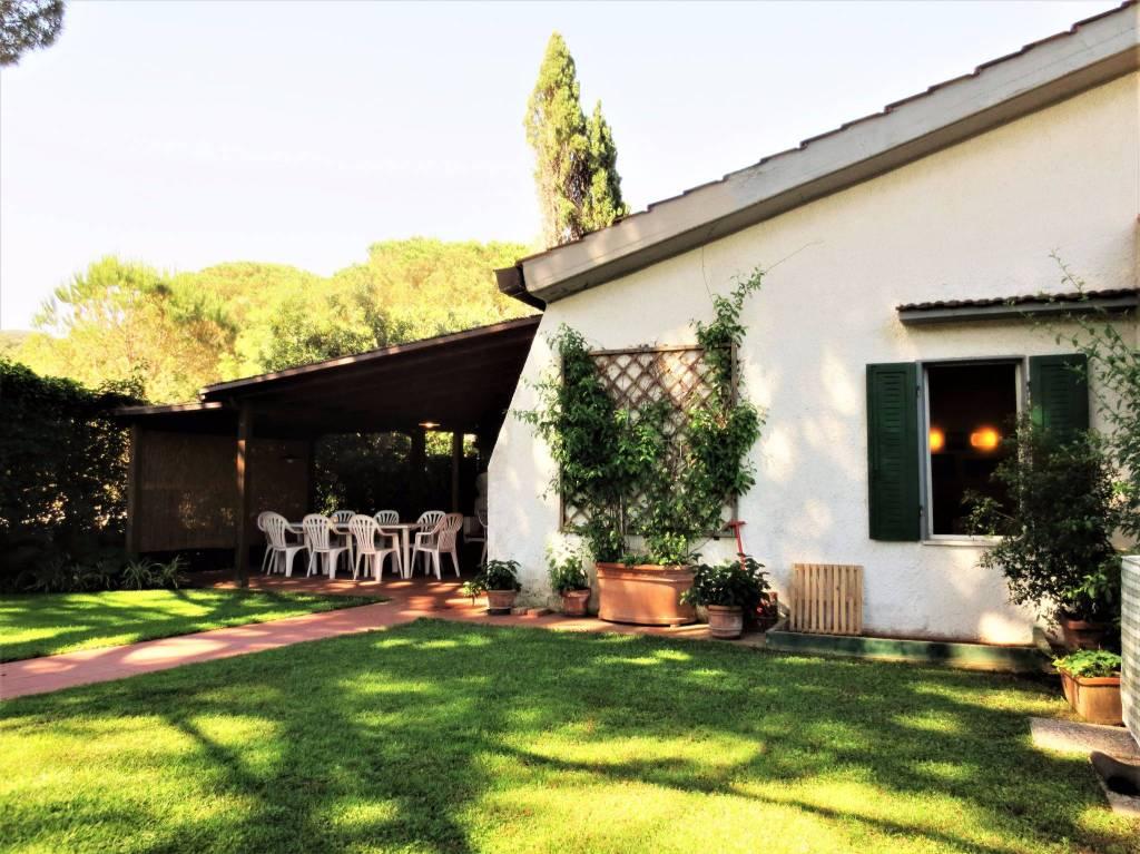 Villa in ottime condizioni arredato in affitto Rif. 8818491
