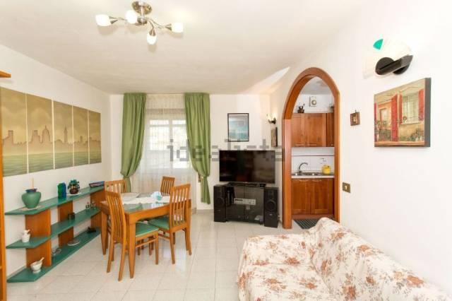 Appartamento in ottime condizioni in vendita Rif. 6298822