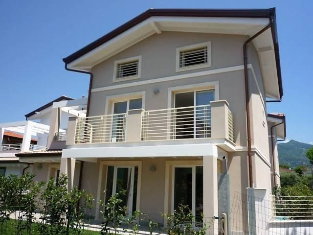 Villa in vendita a Montignoso, 6 locali, Trattative riservate | PortaleAgenzieImmobiliari.it