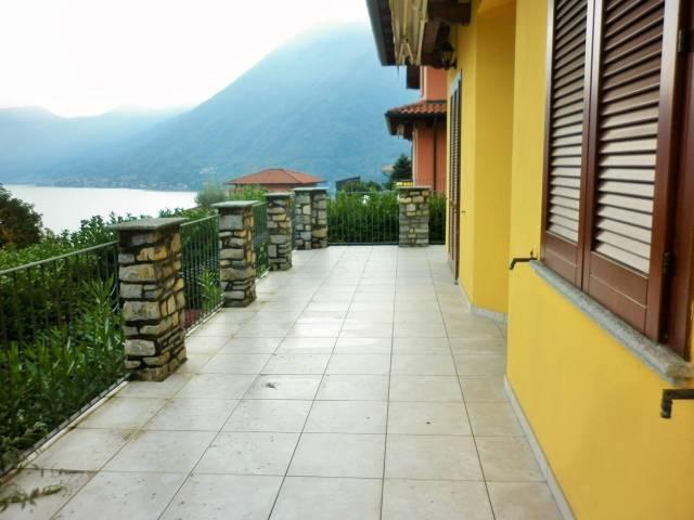 Villa 5 locali in vendita a Argegno (CO)