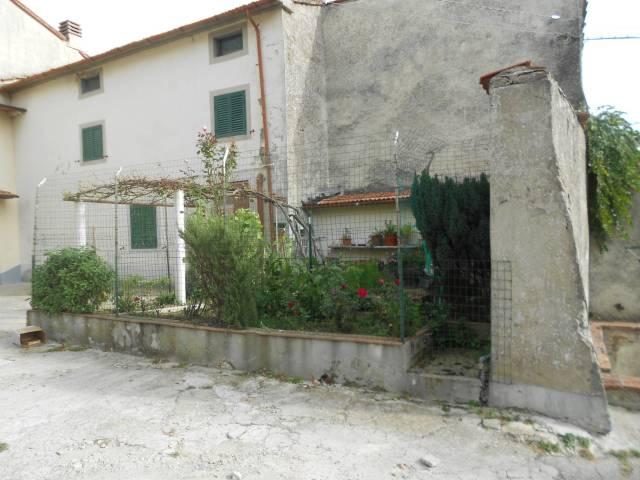 Vernio Località Morandacco vendesi terratetto