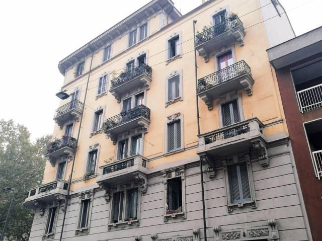 Appartamento in vendita 2 vani 74 mq.  via Perugino, 32 Milano