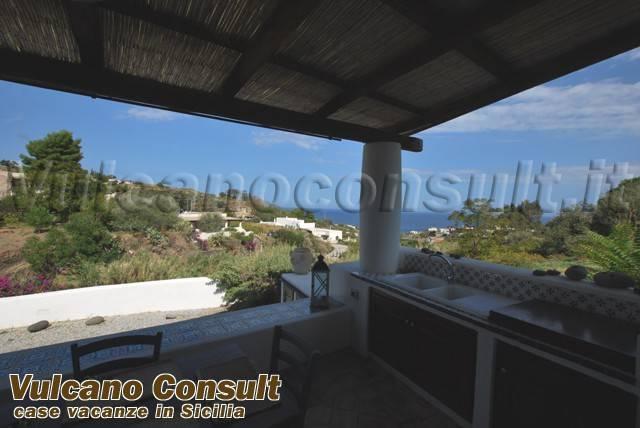Villa in vendita a Malfa, 6 locali, prezzo € 650.000 | CambioCasa.it