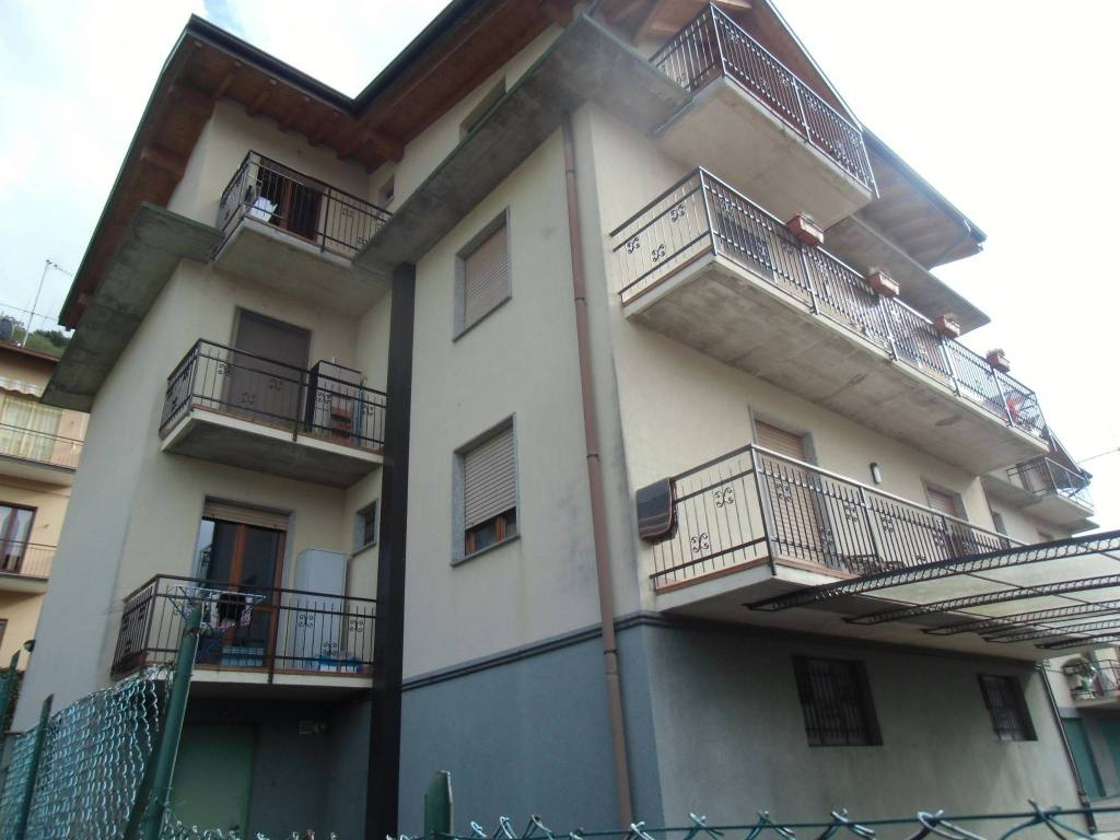 Appartamento in ottime condizioni arredato in affitto Rif. 8845426