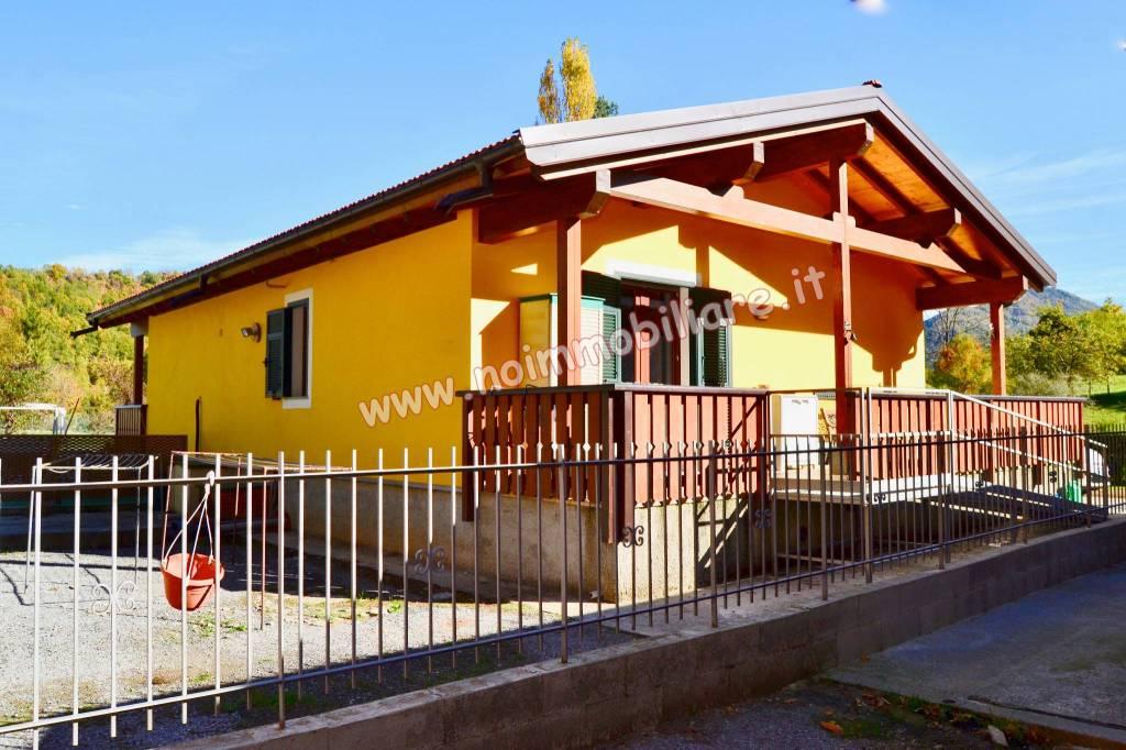 Foto 1 di Villa Località Cà, Montoggio