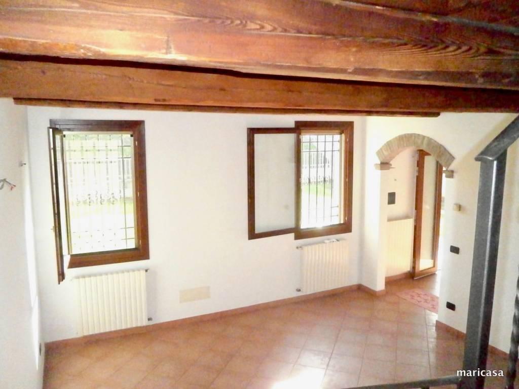 Villa in ottime condizioni in vendita Rif. 4270818