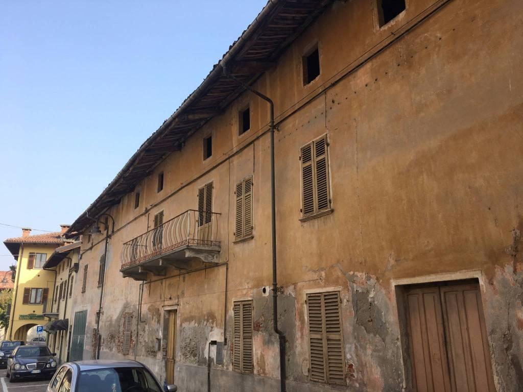 Foto 1 di Palazzo / Stabile via Vittorio Veneto, Villafalletto