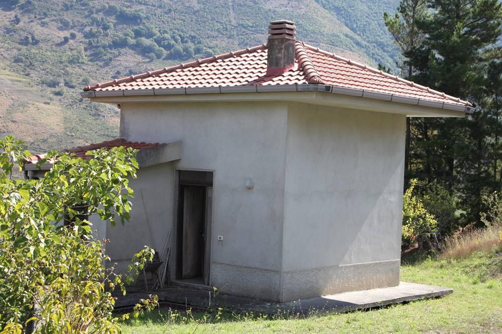 Rustico / Casale in buone condizioni arredato in vendita Rif. 4300835