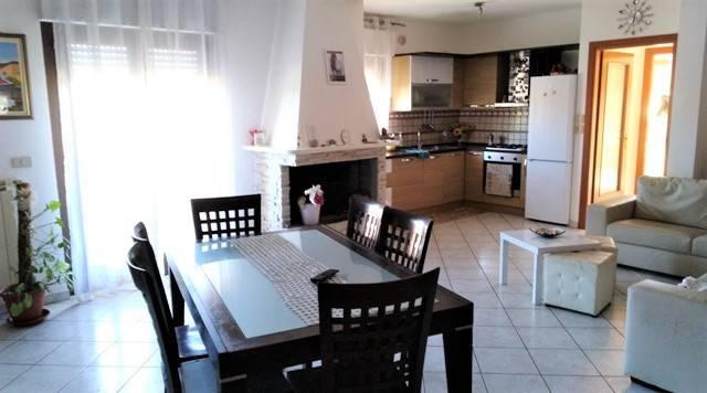 Appartamento 5 locali in vendita a Citt (PE)