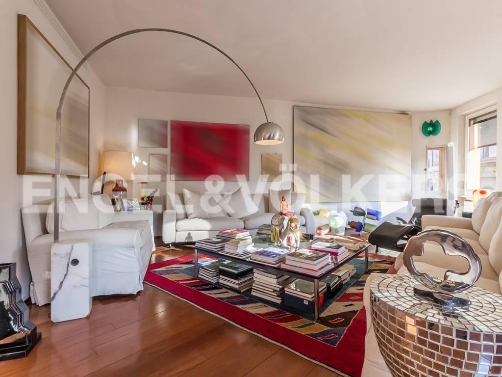 Appartamento in Vendita a Roma via della tribuna di campitelli