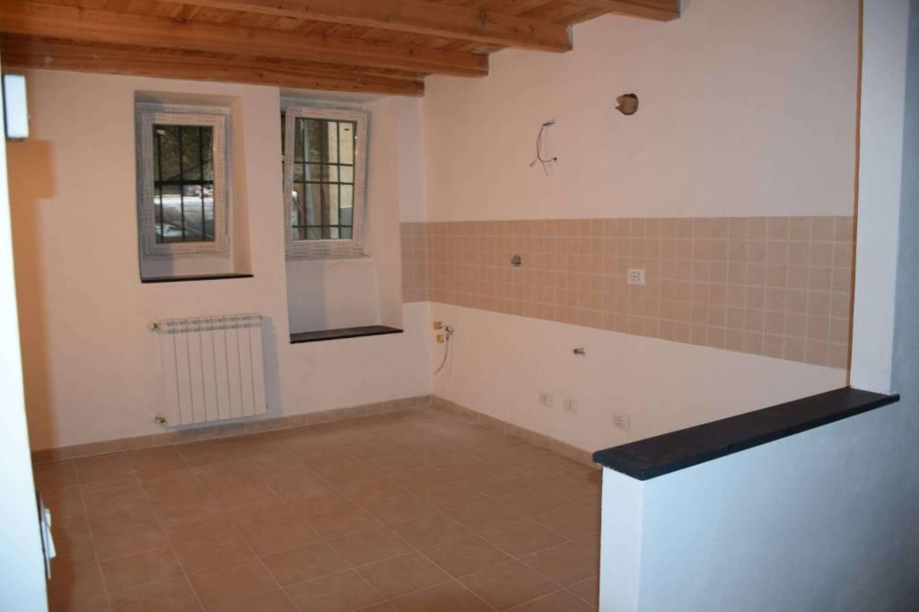 Appartamento in ottime condizioni in vendita Rif. 4359820