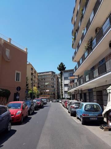 Appartamento in vendita 5 vani 130 mq.  via E. A. Mario Napoli