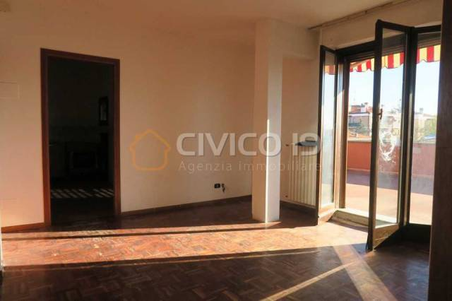 Appartamento da ristrutturare in vendita Rif. 4555901