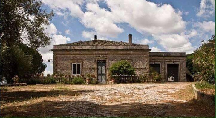 Villa in buone condizioni in vendita Rif. 9174863