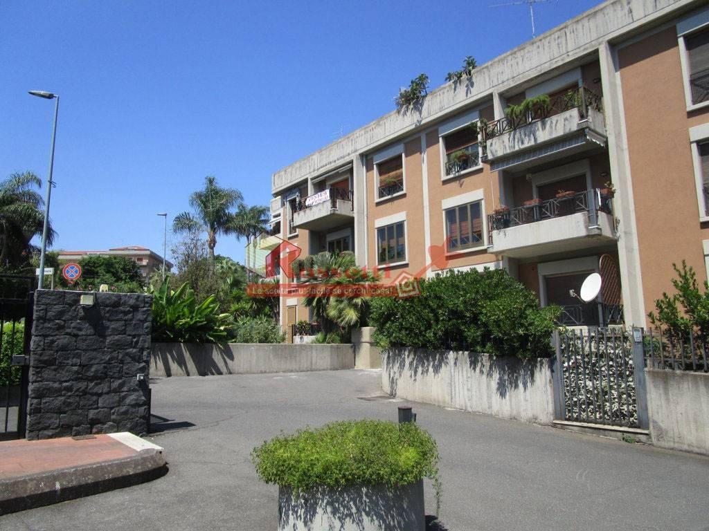 Appartamento in ottime condizioni in vendita Rif. 7106233