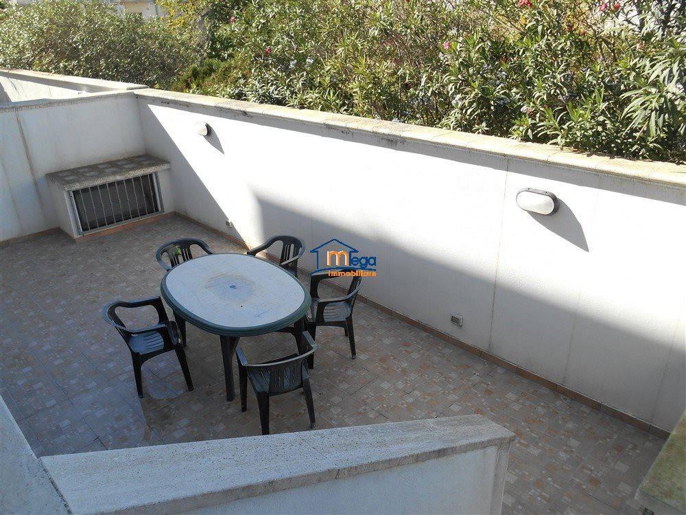 Villa a Schiera in vendita a Alezio, 5 locali, prezzo € 188.000 | CambioCasa.it