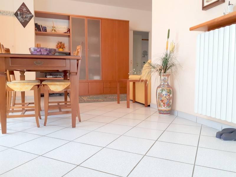 Appartamento in buone condizioni arredato in vendita Rif. 9149672