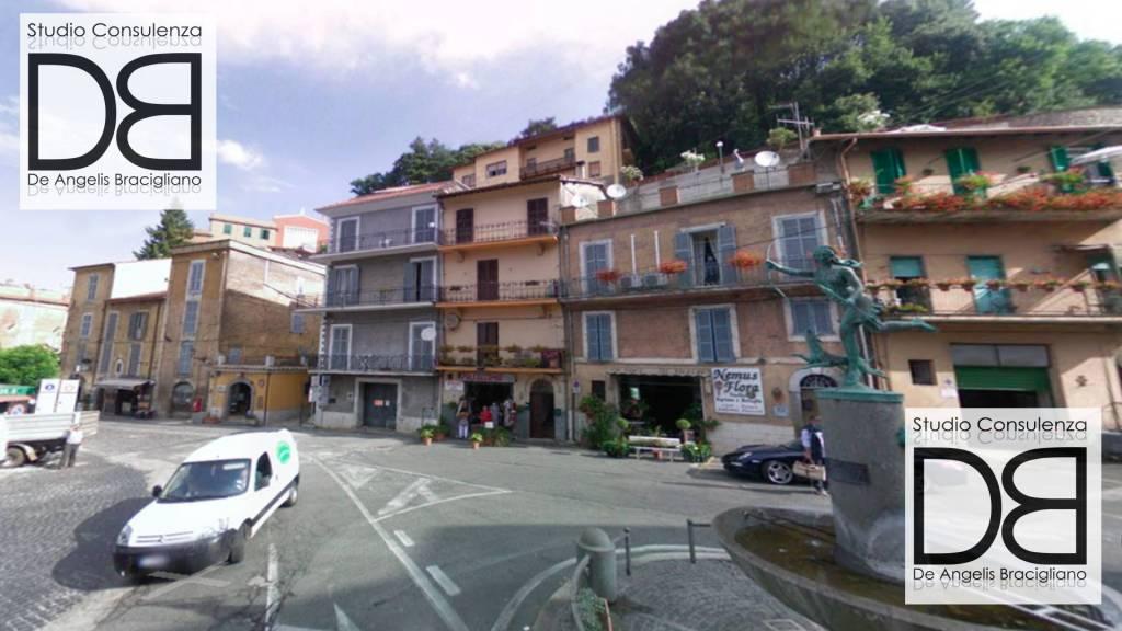 Appartamento in ottime condizioni parzialmente arredato in vendita Rif. 8425334