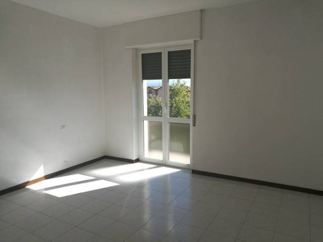 Appartamento in buone condizioni in affitto Rif. 4214333