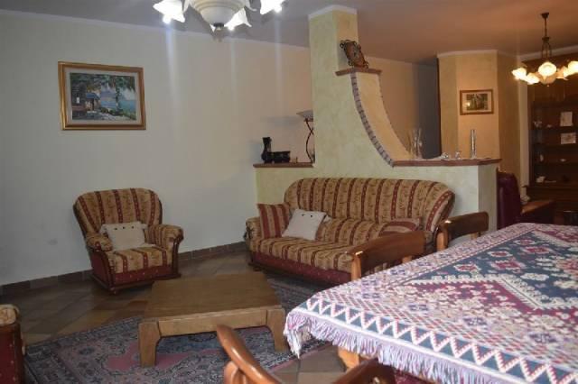 Appartamento in buone condizioni in vendita Rif. 4943103