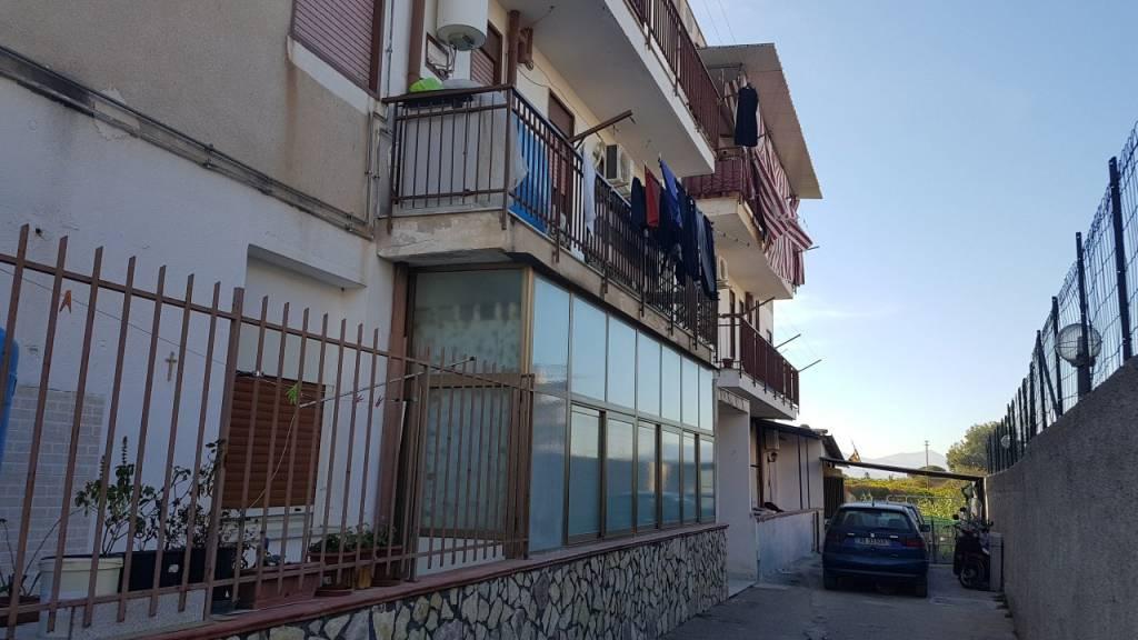 Appartamento da ristrutturare in vendita Rif. 7847471