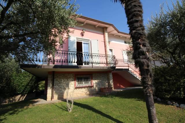 Villa in ottime condizioni in vendita Rif. 4241164