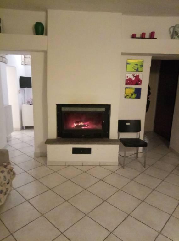 Appartamento in buone condizioni arredato in vendita Rif. 4867344
