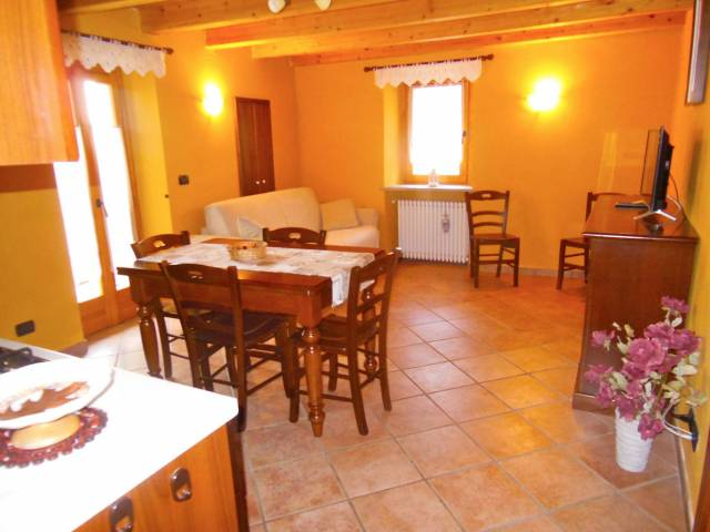 Appartamento in ottime condizioni arredato in affitto Rif. 4431928